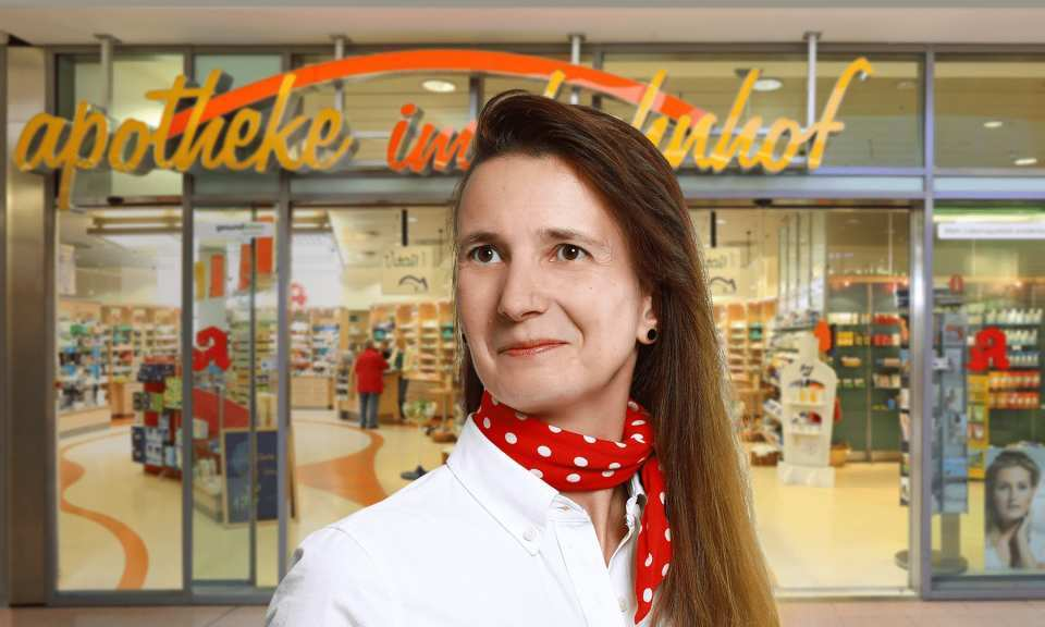 GUTE MITTEL. GUTER TYP.<br> Frau Goerke – Apotheke im Bahnhof