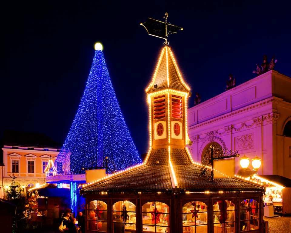 """Bis weit über die Stadtmauern bekannt und beliebt: Potsdams Weihnachtsmarkt """"Blauer Lichterglanz"""""""